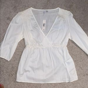 Old Navy top.  Cream size small NWT